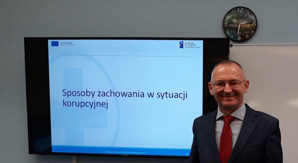 Szkolenie antykorupcja, trener Maciej Wnuk